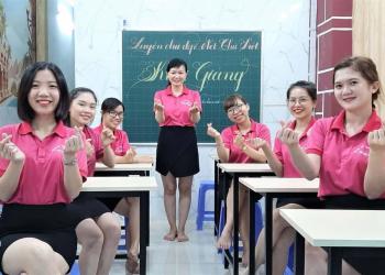 giáo viên rèn chữ đẹp