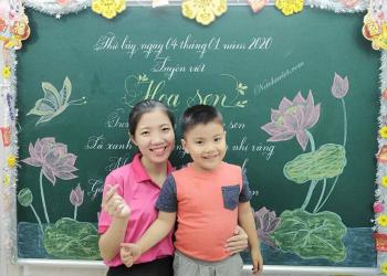 giáo viên rèn chữ và học sinh